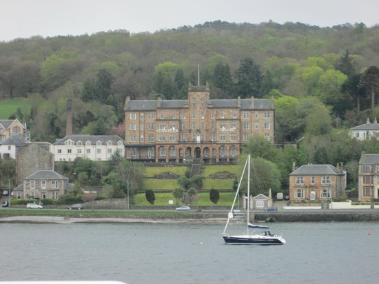 The Glenburn Hotel Ltd: view from the ferry