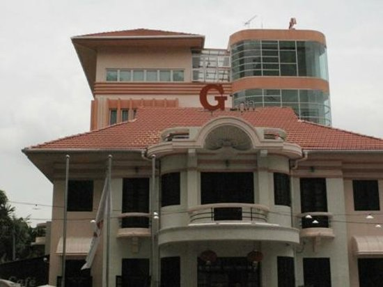 G-Inn: the hotel building front