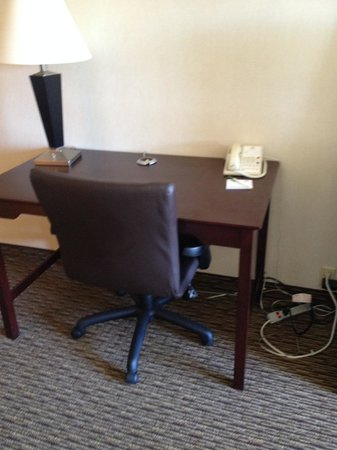 Holiday Inn Enfield-Springfield : Work Desk