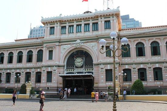 Renaissance Riverside Hotel Saigon: 郵便局