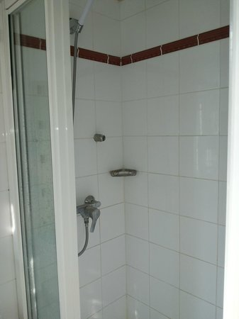Hotel du Mont Dore: very clean showers