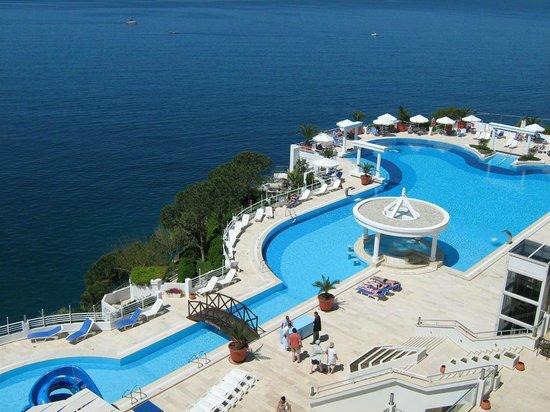 Korumar Hotel De Luxe: Uitzicht vanuit de zeezicht kamer