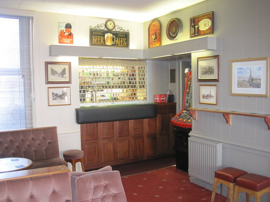 Adelaide House Hotel: our newly decorated bar for 2014