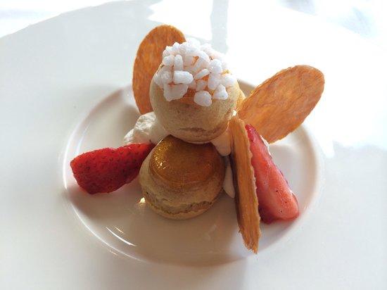 Antoine: Beautiful and delicious dessert