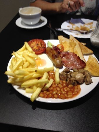 ddks: An awesome Full English Breakfast at a very fair price