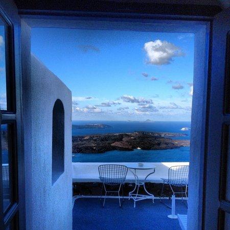 On The Rocks : Hello Santorini!!