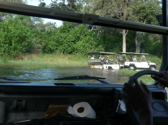 Sango Safari Camp : The only way in and out