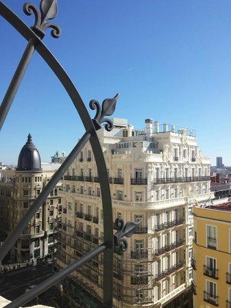 Hostal Luis XV : Vistas desde habitación situada a Calle Montera