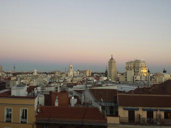 Hostal Luis XV: Vistas desde habitación situada a Calle Montera