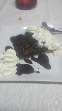 Restaurante pasta y vino: Chocolate cake...very nice!