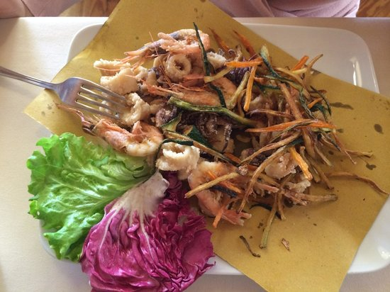Ristorante Miramare : Frittura di calamari e gamberi con  verdurine