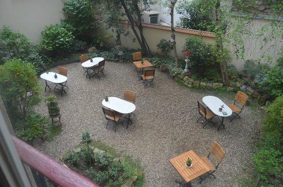 Hotel de l'Avre: Jardin desde habitación
