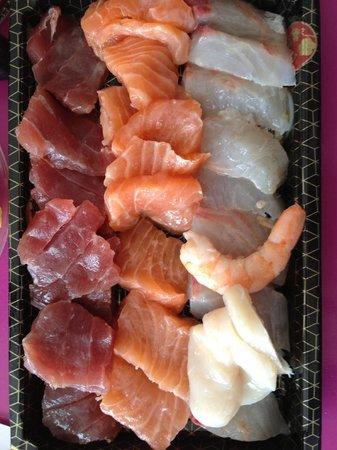 Le Tokyo: sashimi dans sa barquette a emporter