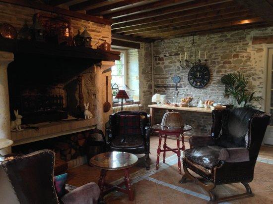 Manoir de la Riviere: Breakfast room