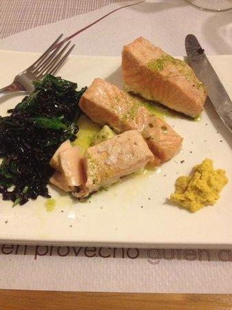 El Meson de Cervantes : Salmon with black rice