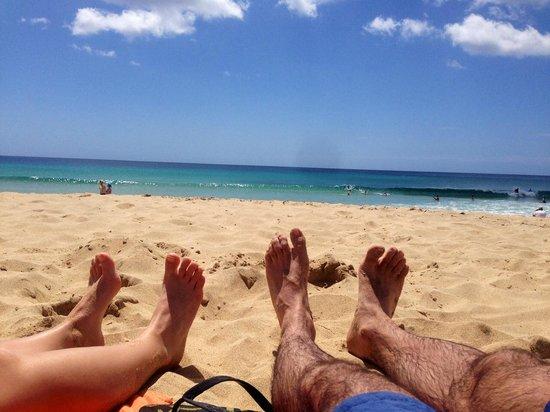 R2 Bahia Playa: Les pieds dans l'eau