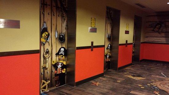 Legoland Malaysia Resort: pirate lifts