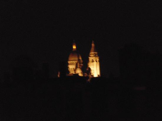 Est Hotel Paris: Vista desde la habitacion (lo siento por la calidad XD)