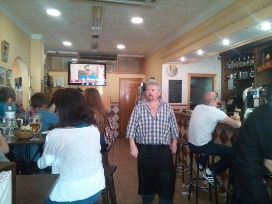 Restaurante Bar...Tolo: El dueño de este magnifico bar