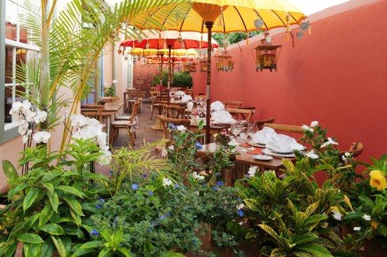 Restaurante El Sitio: Terraza de la Cafetería El Sitio en el Hotel Hacienda de Abajo, Tazacorte, La Palma, Canarias