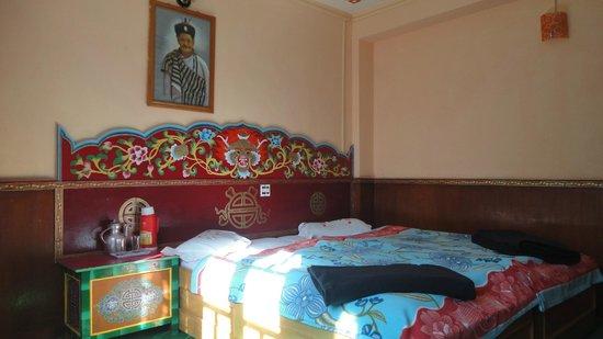 Modern Residency: Our room on ground floor