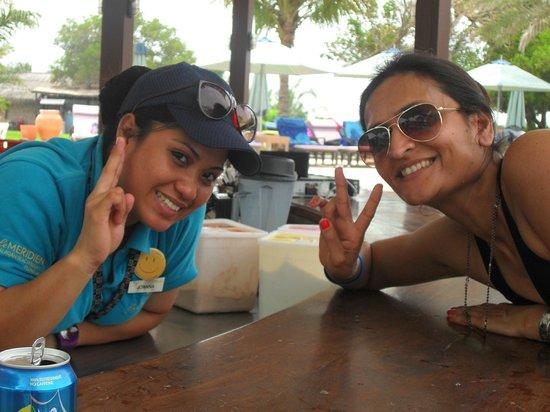 Le Meridien Al Aqah Beach Resort: Baywatch Pool Bar