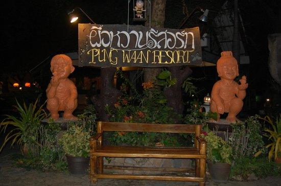 Pung-Waan Resort: entrée de l'hotel