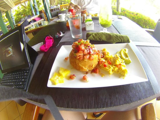 Costa Paraiso: Bananacado beakfast!