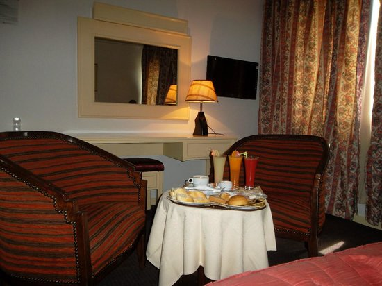 Hotel El Oumara : Chambre