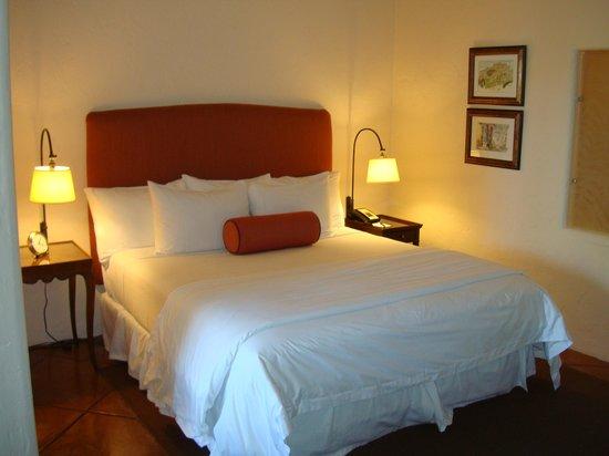 Spanish Garden Inn : Bedroom