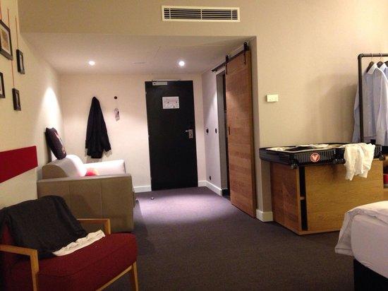pentahotel Prague: Spacious room