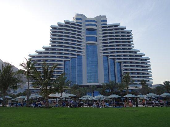 Le Meridien Al Aqah Beach Resort: View from Gardens