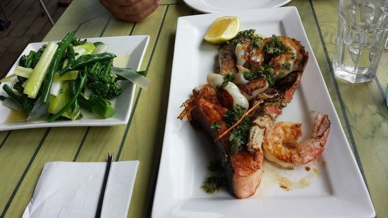 Fishheads: Mixed Seafood Grill