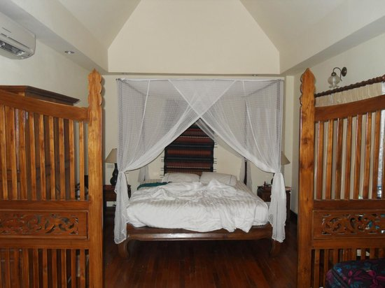 Baan Orapin Bed and Breakfast: Room