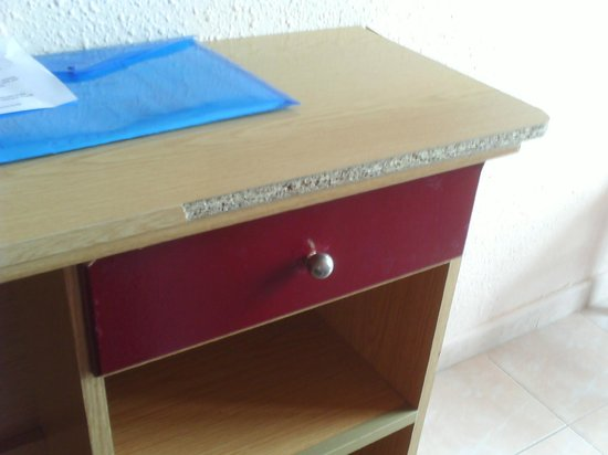 H.TOP Olympic: furniture damaged