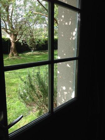 L'Epicerie Du Pape: room with a gardenview