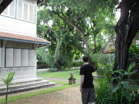 Baan Orapin Bed and Breakfast: Grounds