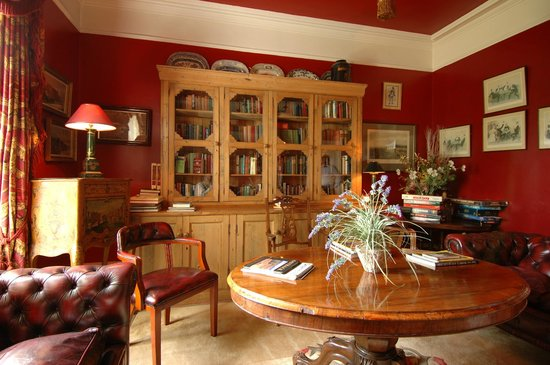 Cashel House Hotel: Library