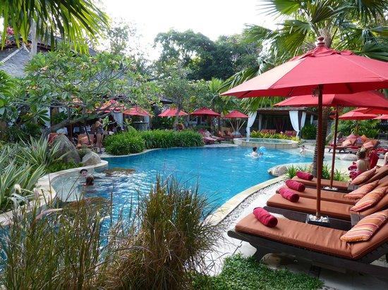 Rocky's Boutique Resort: Gartenpool