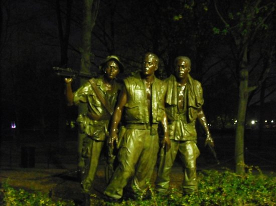 Bike and Roll DC: Vietnam War memorial