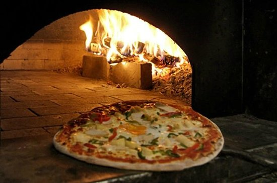 Il Ritrovo: La pizza au feu de bois