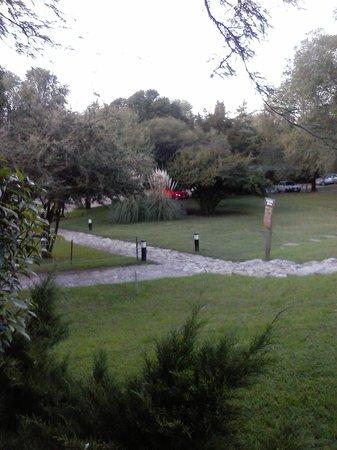 Howard Johnson Hotel & Spa Villa General Belgrano: el parque