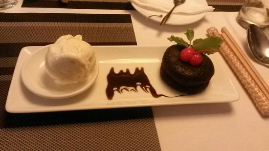 The Gourmet Corner Restaurant: Decadent dessert