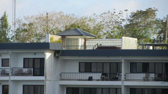 Manta Ray Bay Resort: Zimmer 301 mit Dachterrasse und Jacuzzi