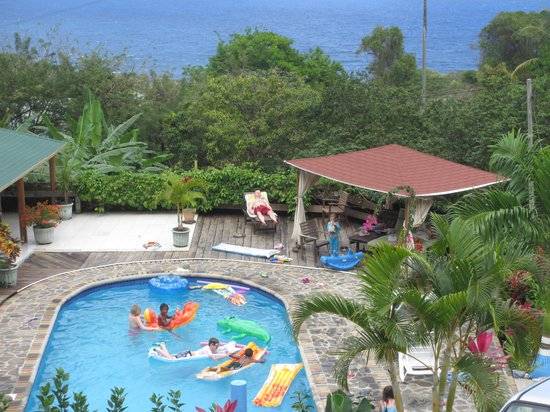 OhLaLa Villas : Kids playing in pool