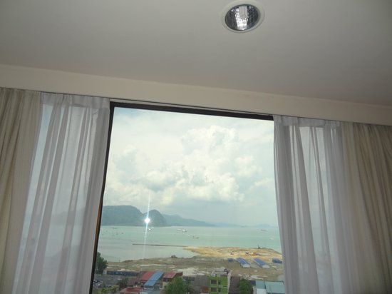 Bayview Hotel Langkawi: seaview from executive room