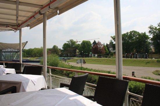 MS Stadt Wien: tavoli a poppa