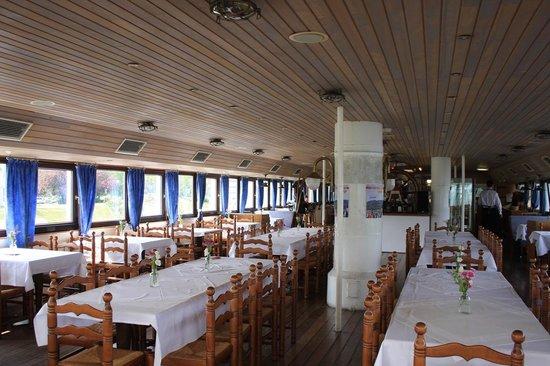 MS Stadt Wien: interno con tavoli per ristorante