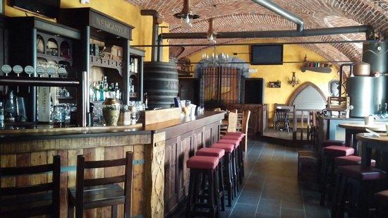 New Castle Pub