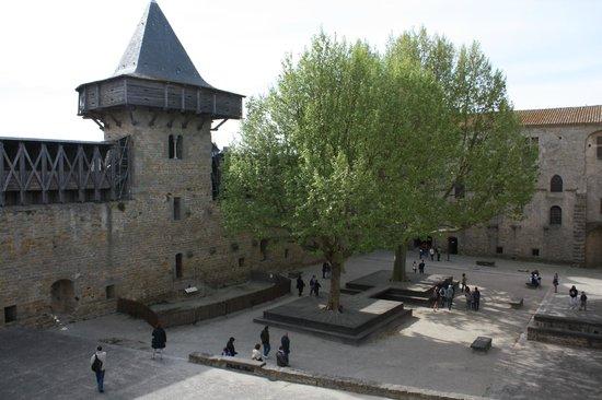 cit de carcassonne picture of chateau et remparts de la cite de carcassonne carcassonne. Black Bedroom Furniture Sets. Home Design Ideas